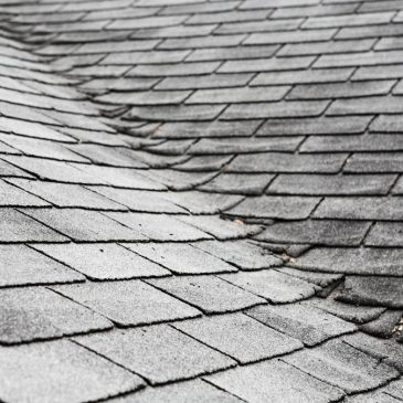 How Do I Know When My Roof Needs to be Replaced or Repaired?